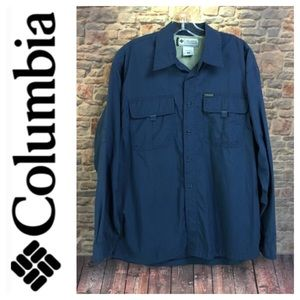 💸Men's Colombia button down shirt in size M